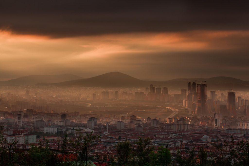 Ataşehir'de gündoğumu, Istanbul.